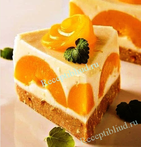 торт из йогурта с персиками