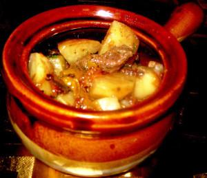 мясо в горшочке фото