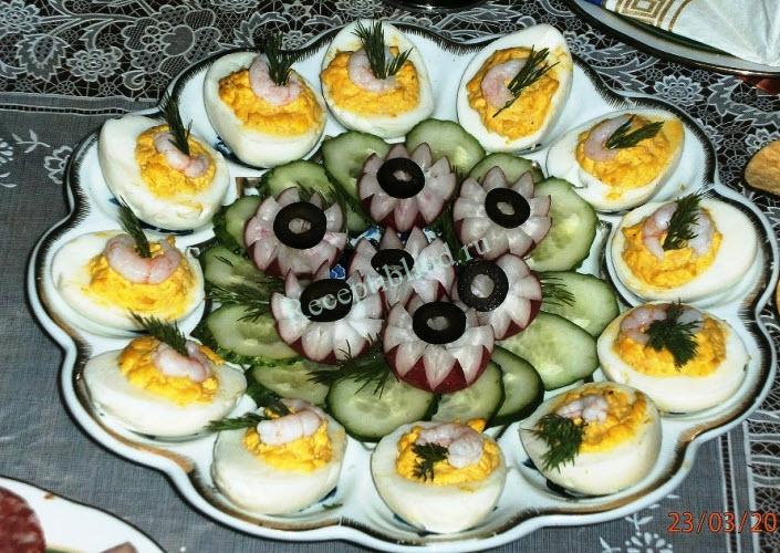 яйца фаршированные креветками фото