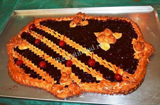 открытый пирог с вишней фото