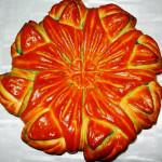 сдобный пирог с цветным сахаром фото