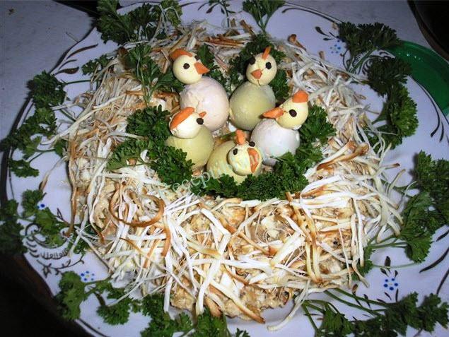 салат Перепелиное гнездо фото