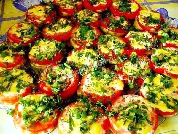Вкусная закуска с помидорами фото