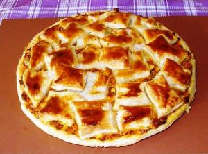 слоеный пирог с курицей и сыром фото