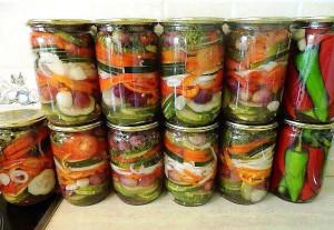 салат полосатый на зиму фото