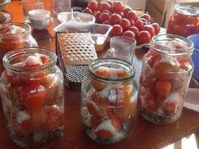 Делюсь обалденным рецептом засолки помидоров в литровые банки. Очень вкусно!Рецепт на миллион!