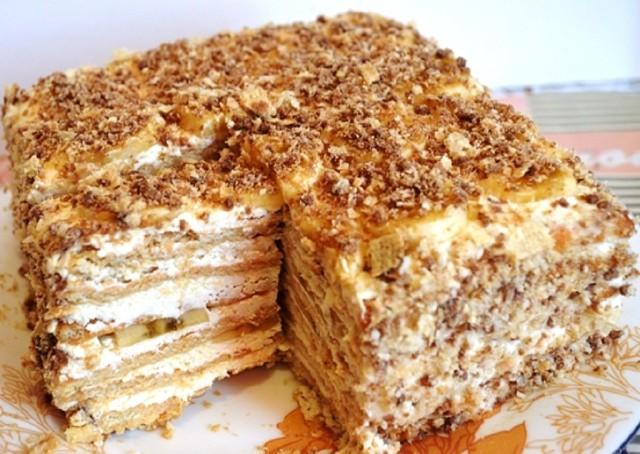 Торт без выпечки из печенья с бананом - Нежное воздушное лакомство без выпечки.