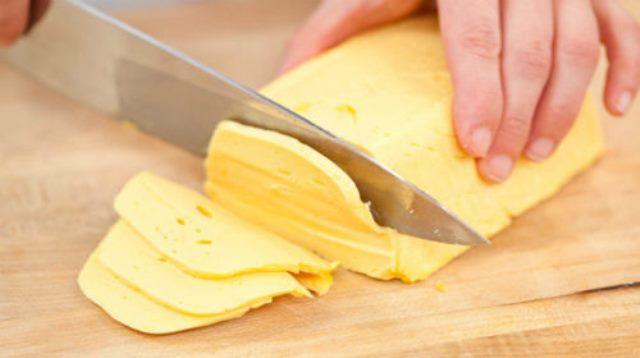 Домашний твердый сыр. Рецепт — настоящая бомба!