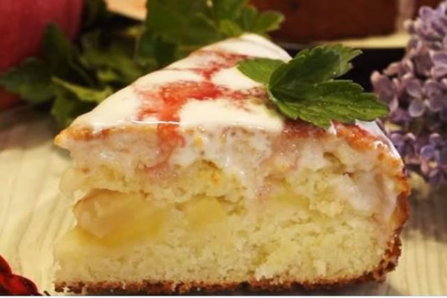 Рецепт манника на кефире в духовке с яблоками без яиц