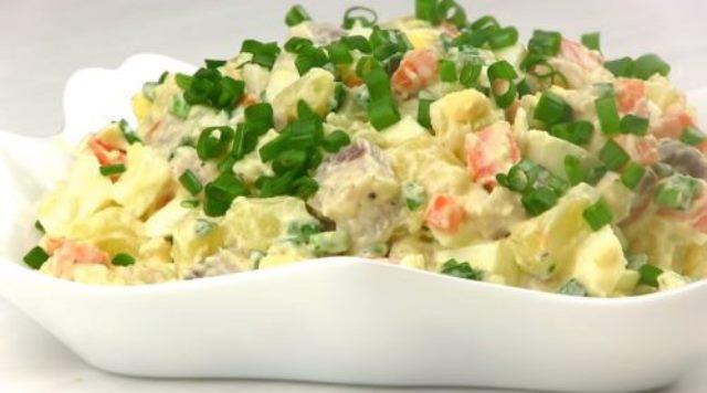 Салат-закуска «Прибой»: на каждый день и на праздничный стол