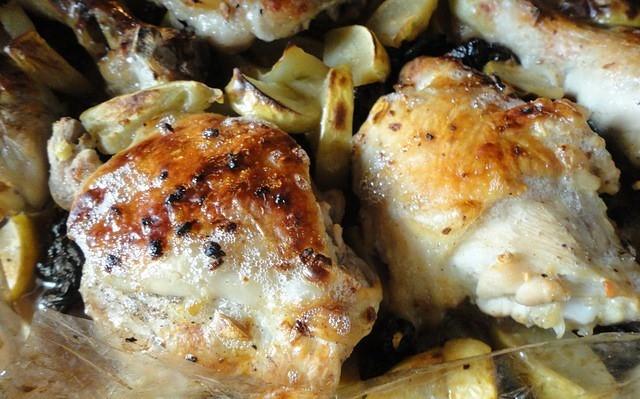 Курица в рукаве с черносливом на праздничный стол. Рецепт находка! Сохраните себе.