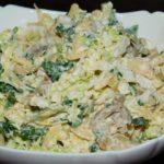 Салат с грибами, сыром и пекинской капустой