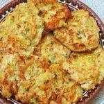 Картофельные оладьи с добавлением фарша и кабачков