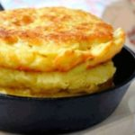 Потрясающие вкусные кукурузные лепешки с сыром