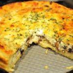 Рецепт картофельного пирога с грибами и луком по-домашнему