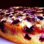 Рецепт королевской шарлотки с яблоками и вишней!