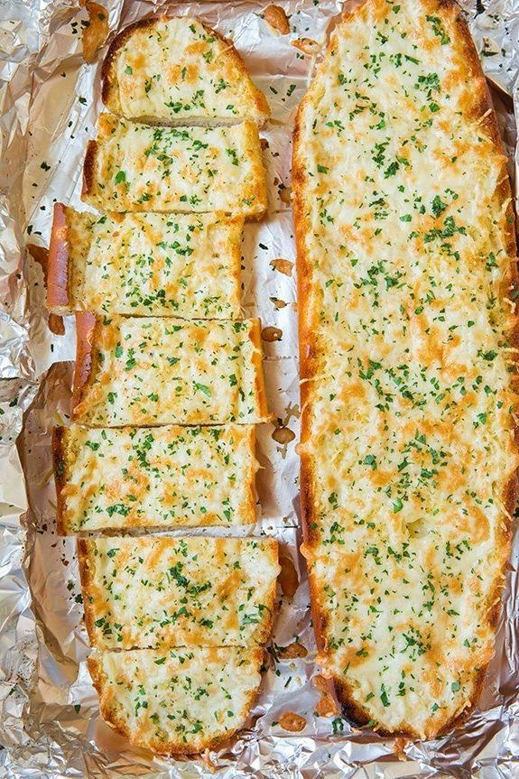 """Сырно-чесночный хлеб """"вкуснее не едала"""". Объедение!"""