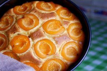 Нежнейший Абрикосовый Пирог на йогурте.