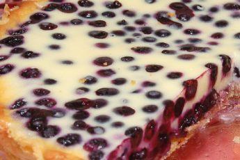 Волшебный десерт — песочный пирог с черникой