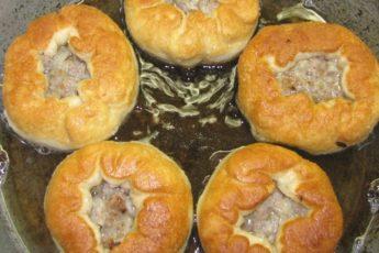 Беляши с мясом на сковороде! Рецепт проще простого! Ммм… А как вкусно!