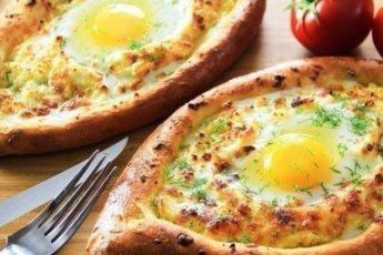 На завтрак не стоит ломать голову: нежные и вкусные ХАЧАПУРИ ПО-АДЖАРСКИ по-старинке!