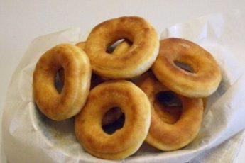 Пончики на кефире за 15 минут — ГОТОВЬТЕ ПОБОЛЬШЕ!